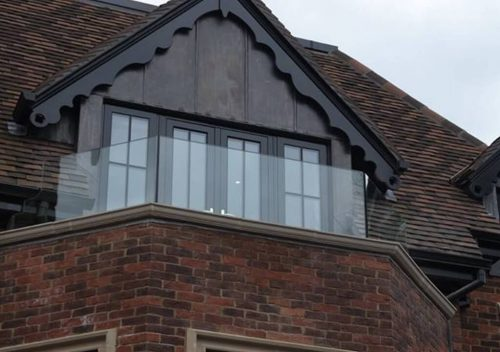 Frameless bay glass balustrade