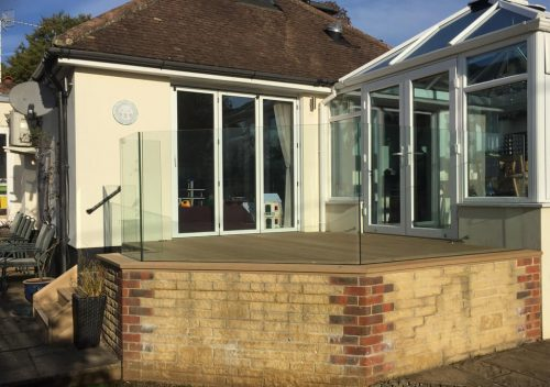 Angled decking glass balustrade