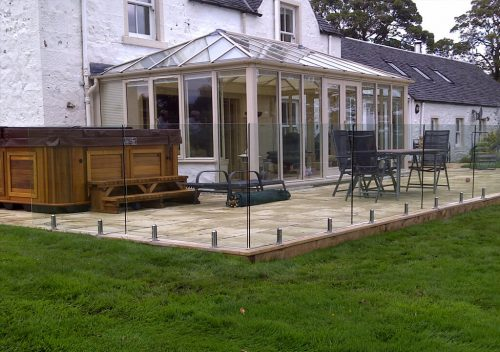 Frameless garden patio glass balustrade