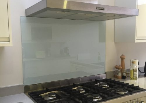 Hob glass splash back