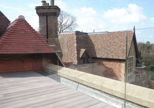 Roof frameless glass balustrade