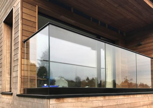 Slim frame glass balustrade