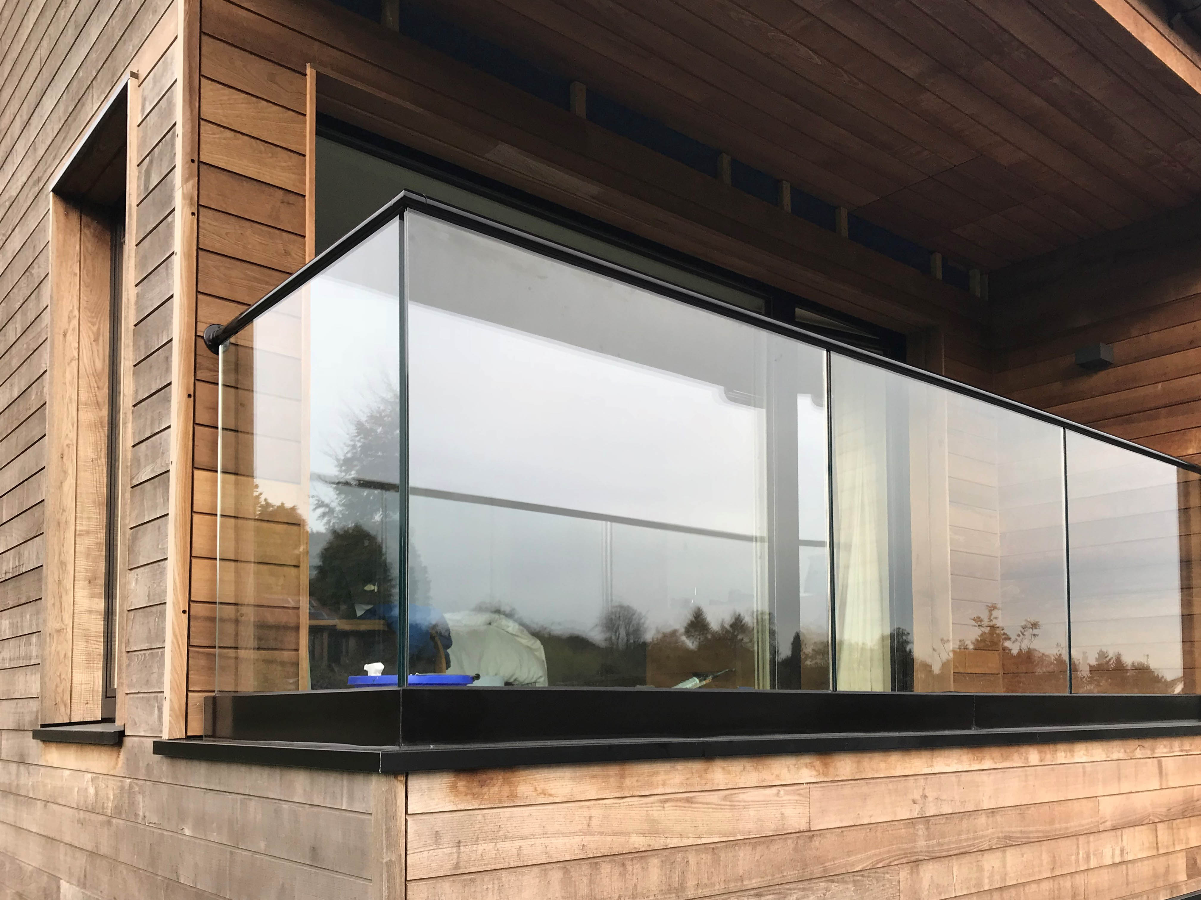 Glass Balustrades In Surrey Amp West London P Amp P Glass